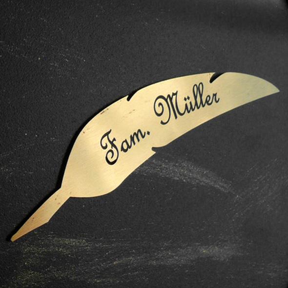 Namensschild Türschild Briefkasten Schild mit Gravur im Antik-Look Feder Gold / Bronze