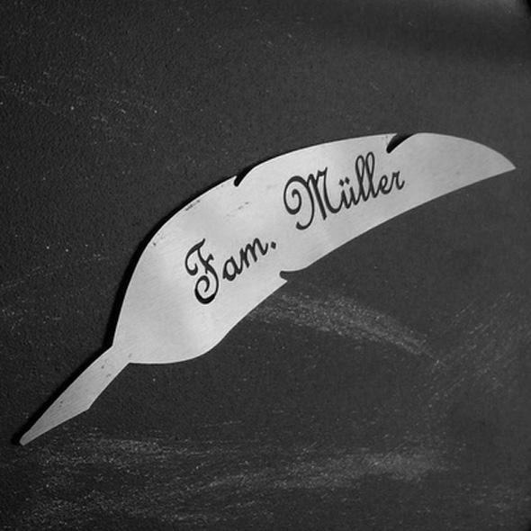 Namensschild Türschild Briefkasten Schild mit Gravur im Antik-Look Feder - Silber / Edelstahl